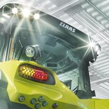 Traktor Axion 900